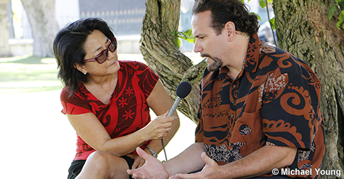 Beamer spoke with Hawai'i Public Radio reporter Noe Tanigawa at 'Iolani Palace to discuss his book and the historical and contemporary attributes of Hawaiian leadership. (Photo courtesy Michael Young/Kamehameha Schools)